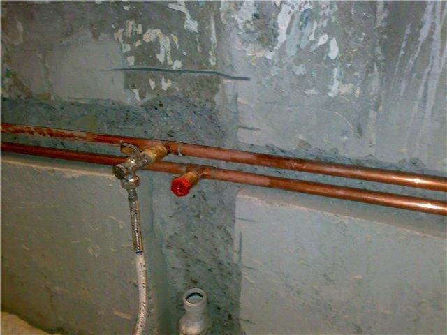 Монтаж металлических водопроводных труб