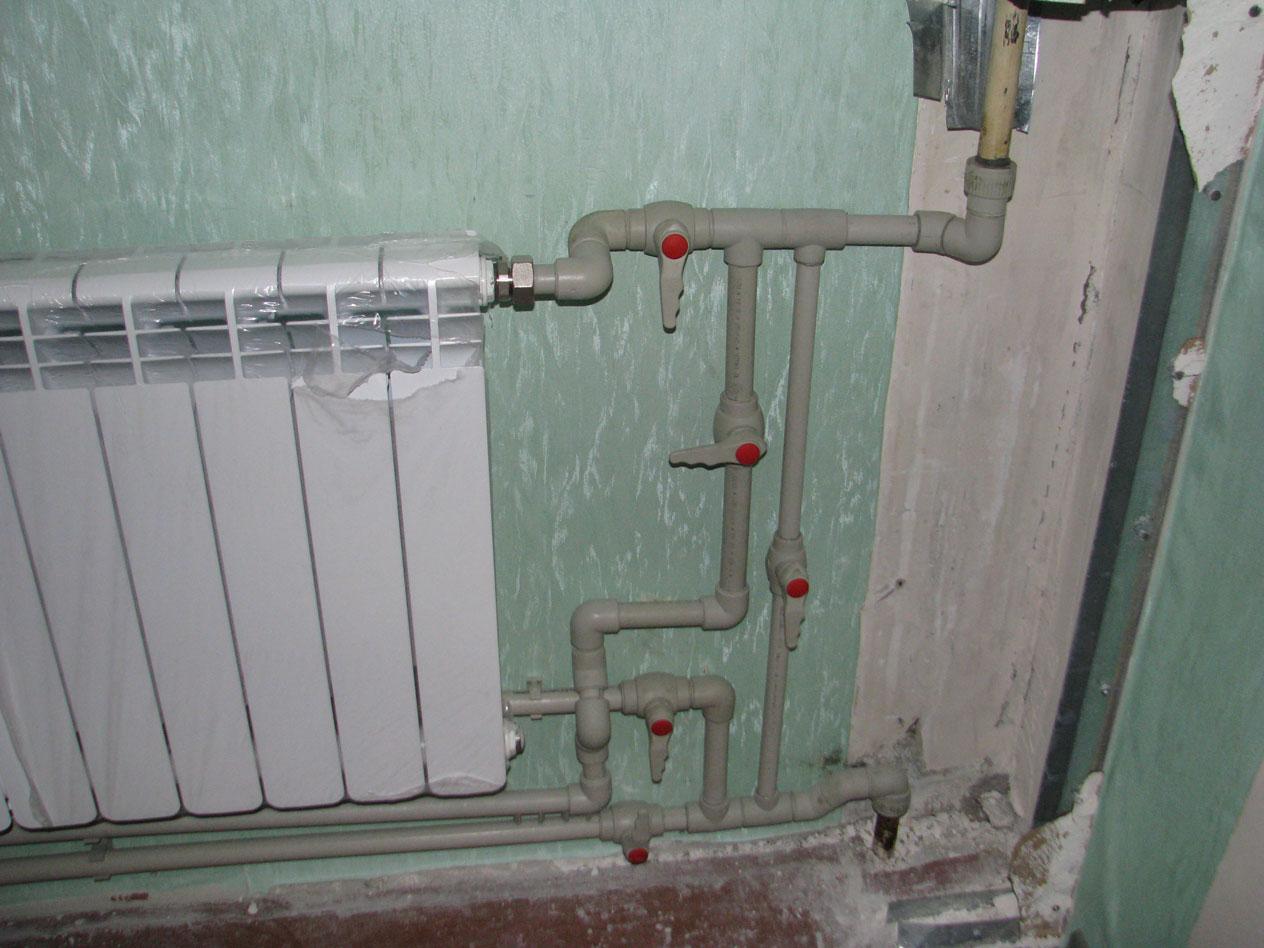 Перенос радиатора на балкон сантехник в харькове.